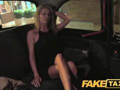Mature gorgeous blonde sucks and fucks in the evening taxi.